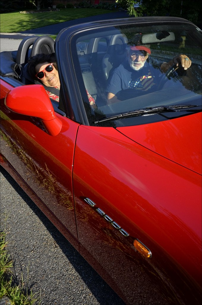 S 2000 Mom and Pop